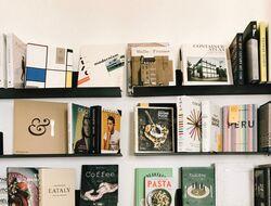 TKMST | Studieboeken: Nieuw, tweedehands of lenen?